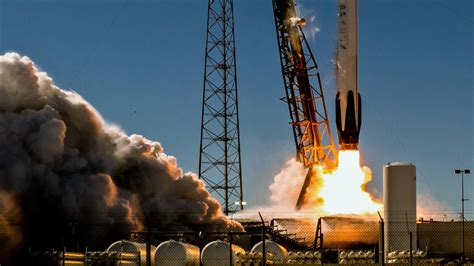 """SpaceX calls ULA NASA launch contract """"vastly"""" overpriced"""